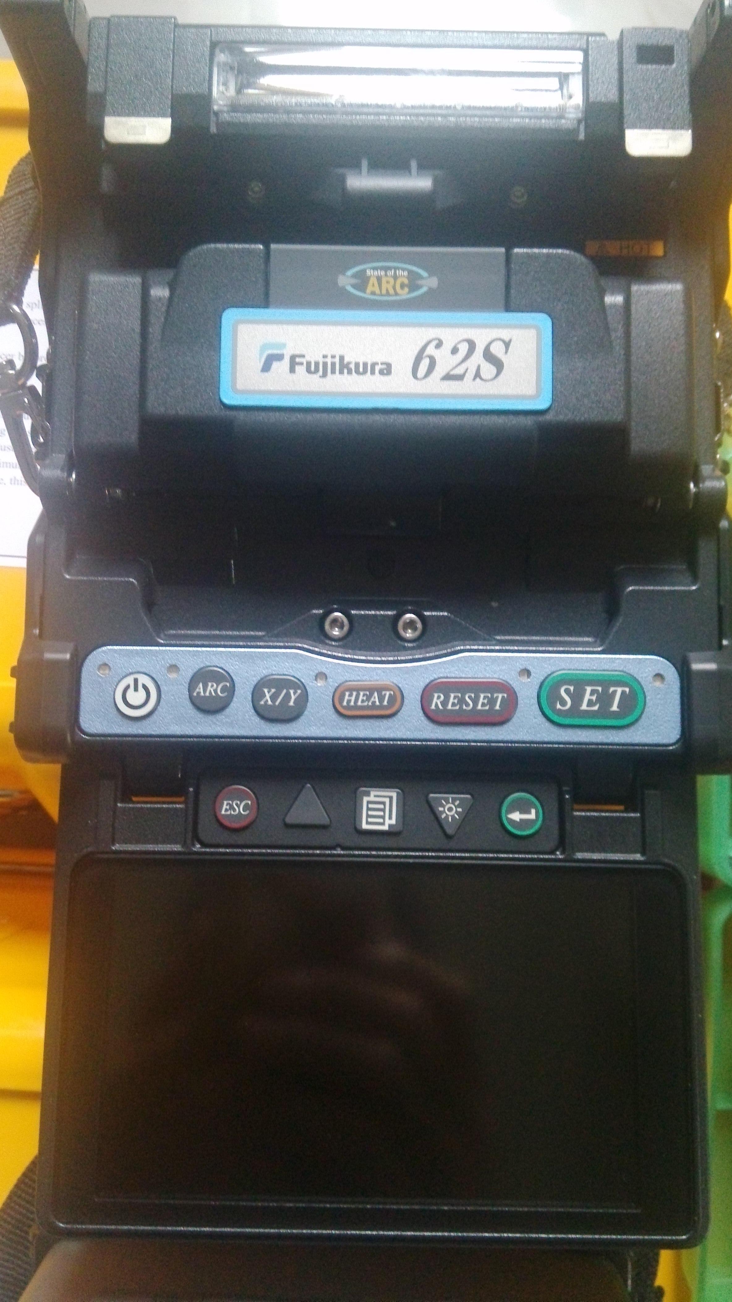 供应用于光纤熔接|光缆抢修|光纤入户的宜昌藤仓61s光纤熔接机