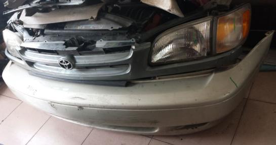 丰田塞纳01款大灯原装拆车头嘴价格