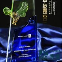 供应用于企业活动典礼奖品的水晶琉璃平步青云 大展鸿图 大鹏展翅奖杯
