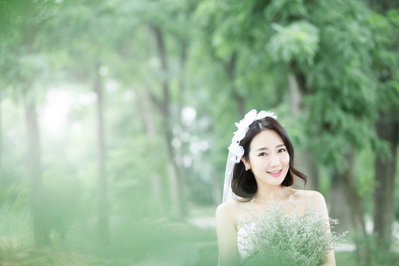 供应用于东营婚纱照的东营大赏摄影唯美森林系婚纱照图片图片