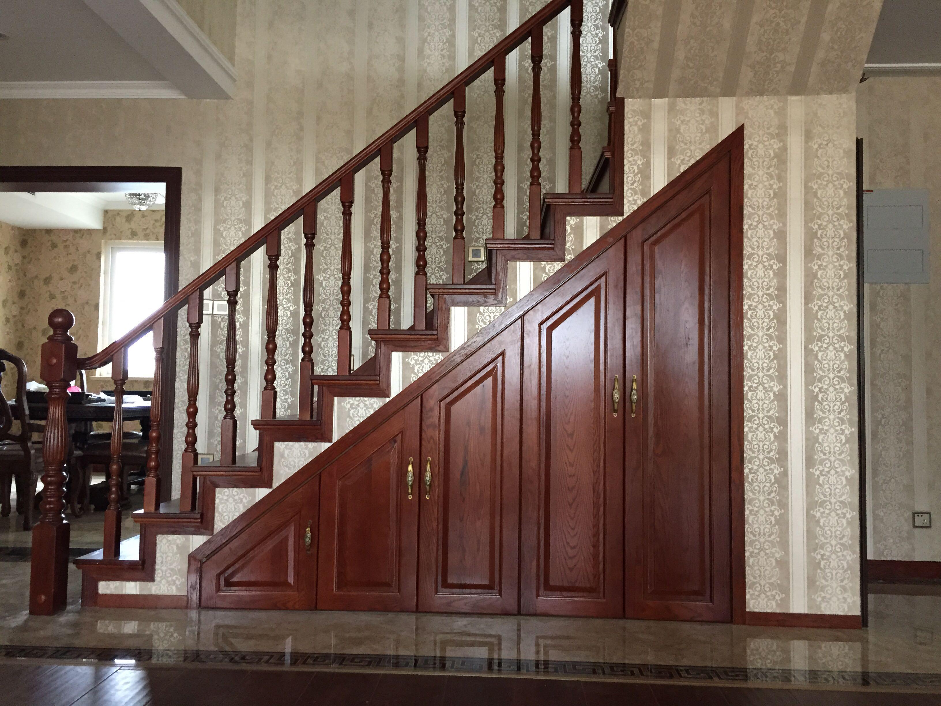 楼梯下面造型图片
