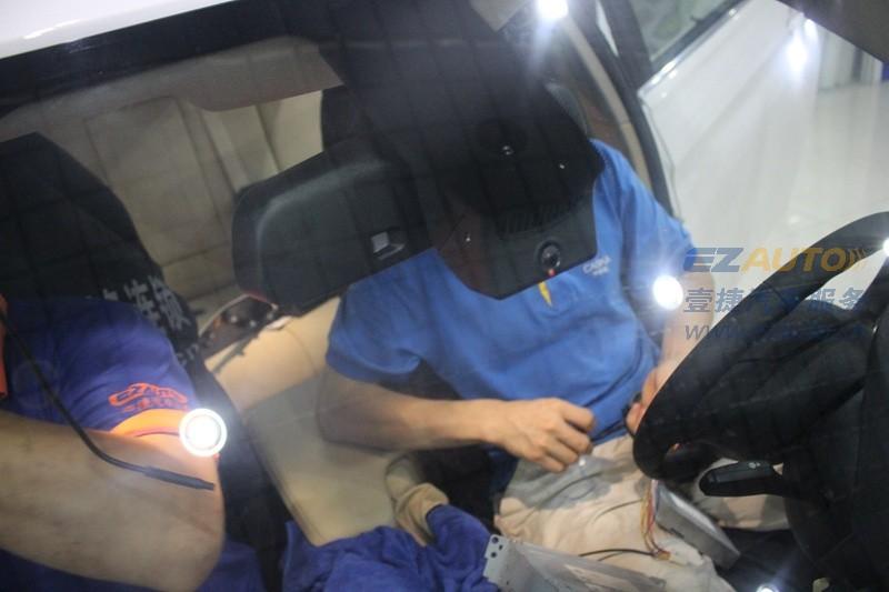 宝马3系加装海圳隐藏式行车记录仪销售