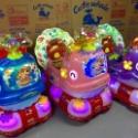 供应濮阳QQ鲸鱼投币摇摆机摇摇乐弹珠机各种颜色任意挑选