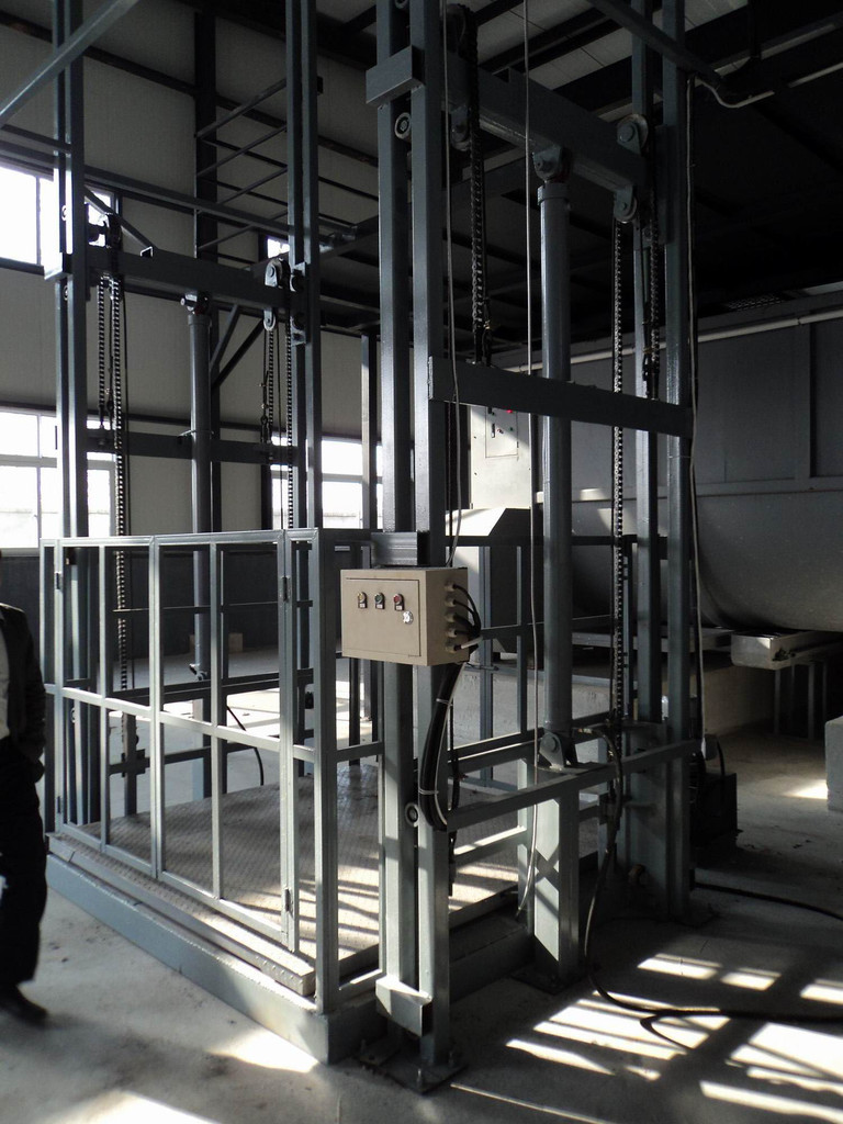 供应导轨式液压升降机湖南导轨式升降货梯导轨式升降货梯价格导轨式液压升降货梯厂家导轨式液压升降货梯哪家好