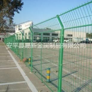 镀锌浸塑框网焊接隔离栅铁艺护栏网图片