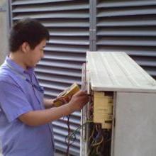空调维修图片