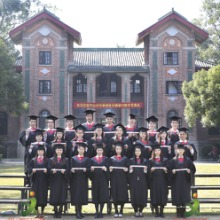 广州哪里出售/卖学生毕业正装?