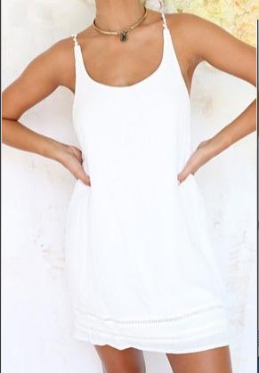 供应性感蕾丝背心 后背镂空纯色吊带衫 沙滩裙夏季度假短裙 蕾丝镂空性感吊带背心裙 广州女装厂家好评热销纯色吊带衫