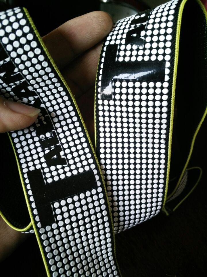 供应用于织带,背包,|服装辅料|运动产品的东莞皮料硅胶丝印价格