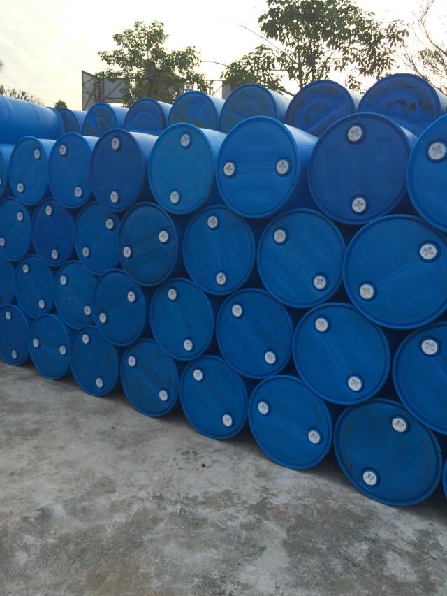 供应用于各种化工原料的200公斤胶桶,铁桶。1吨桶