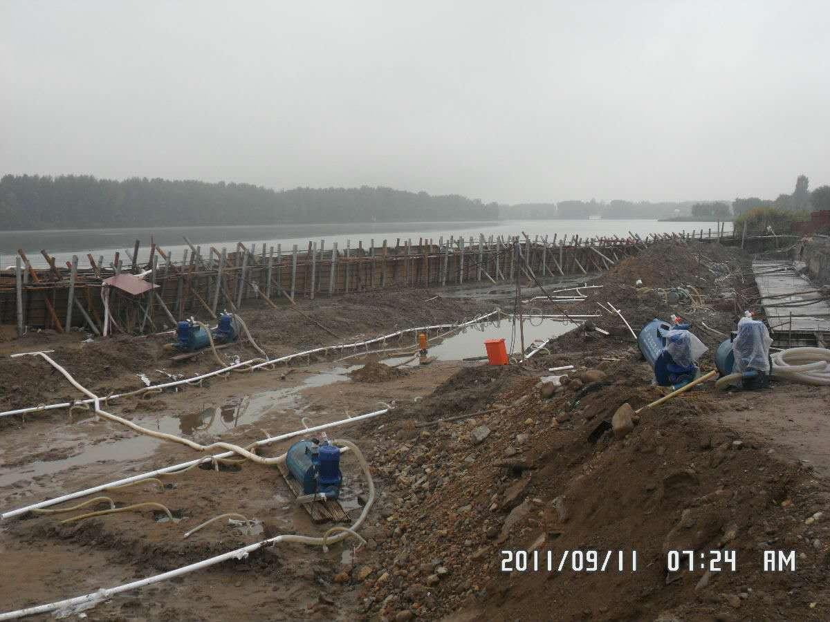上海地源热泵钻井在线  地源热泵钻井和安装  地源热泵钻井孔斜