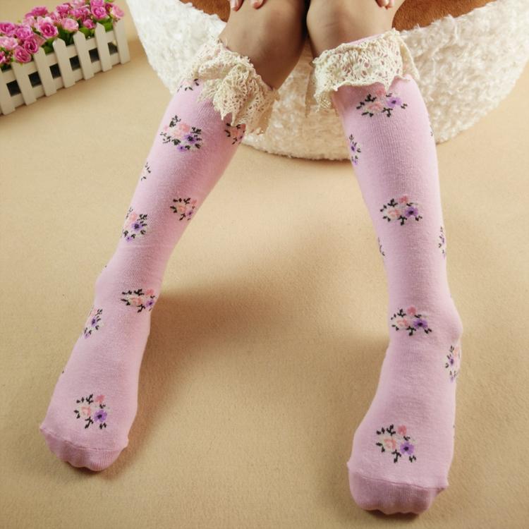 韩国纯棉花边儿童中高筒袜销售