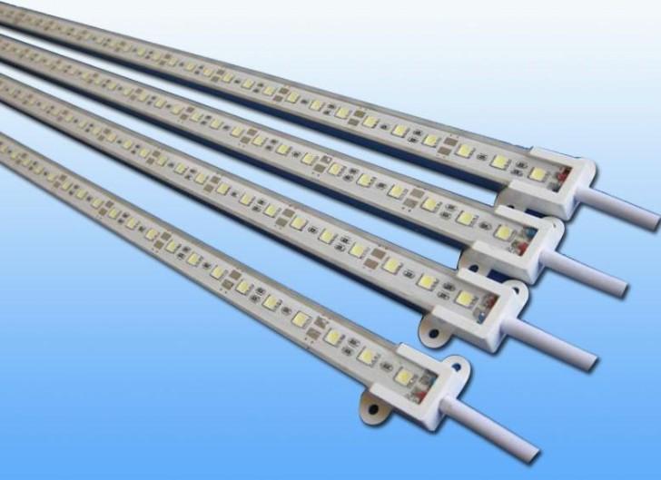 LED硬灯条 LED灯条 LED灯带 硬灯条采用进口芯片封装工艺制作.亮度高 使用寿命长.质量稳定。售后有保障