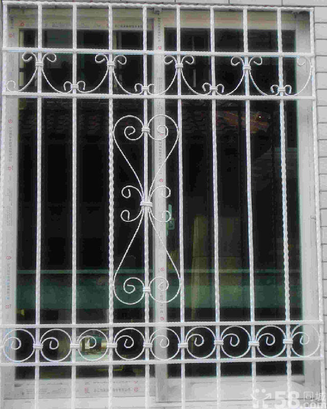 北京铁艺护栏安装铁艺护栏设计铁艺护窗制作