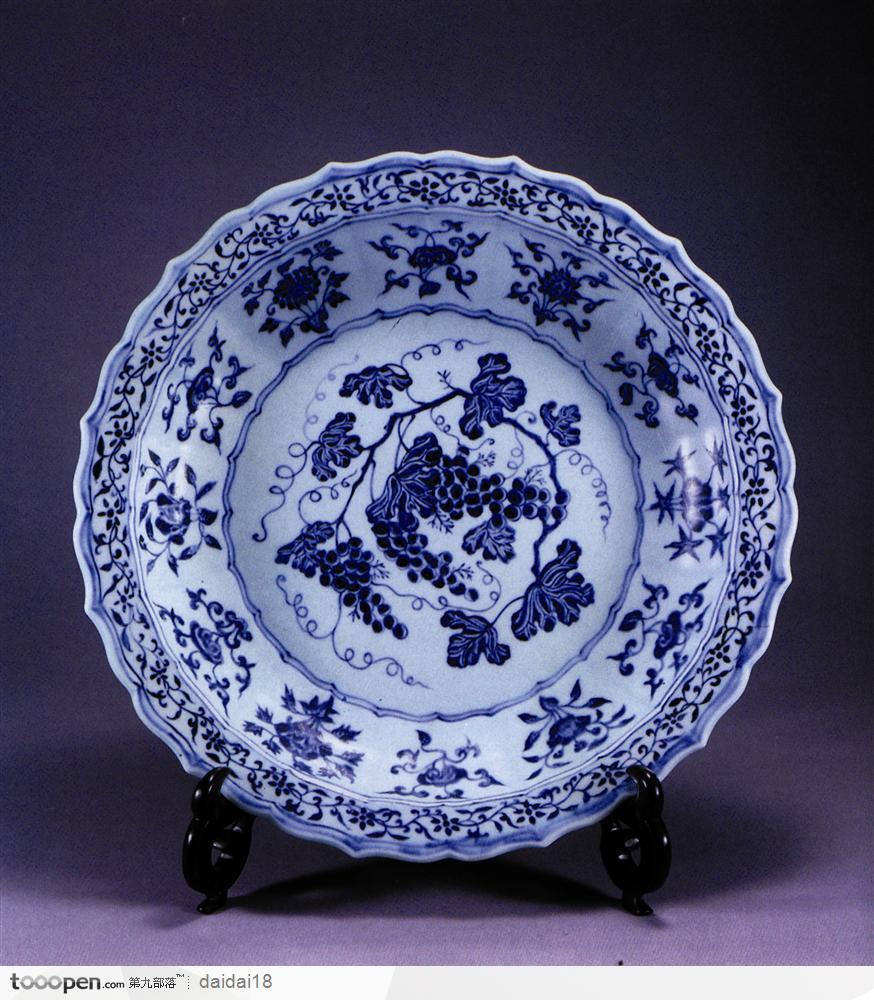 蓝色陶瓷花纹素材