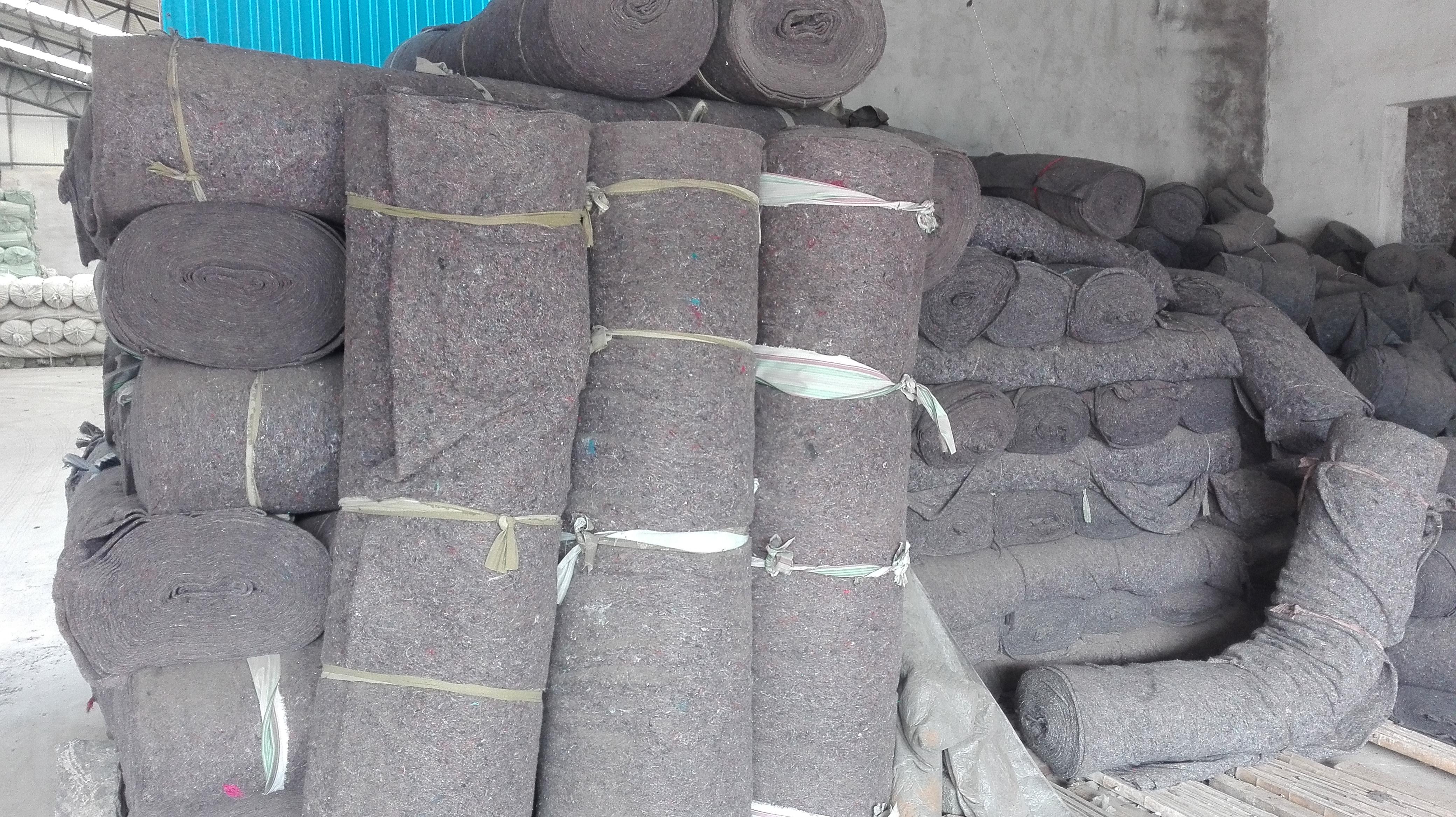 新疆黑棉毡厂家最低价 杂色棉毡直
