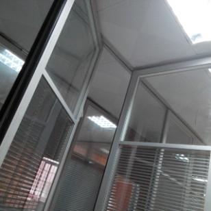 玻璃活动隔断屏风图片