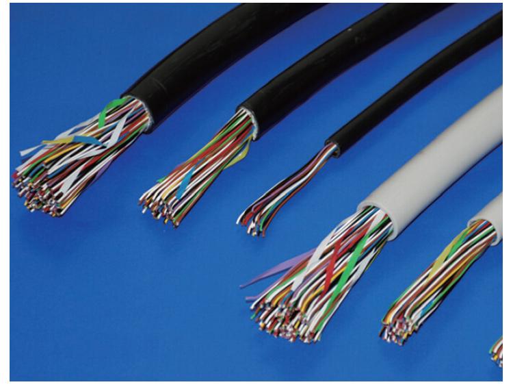 标准3.5mm音频使用连接线图片