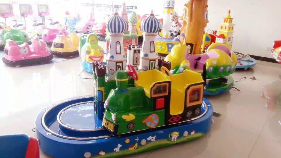 儿童游乐设备小火车