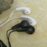 数码产品通用配机耳机图片