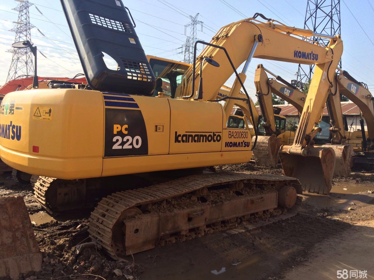 出售 小松220挖掘机