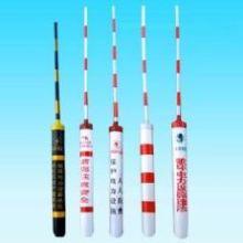 专用生产防撞警示管 路跨保护管 PVC警示管 红白条黑黄条拉线护套 多种警示管批发