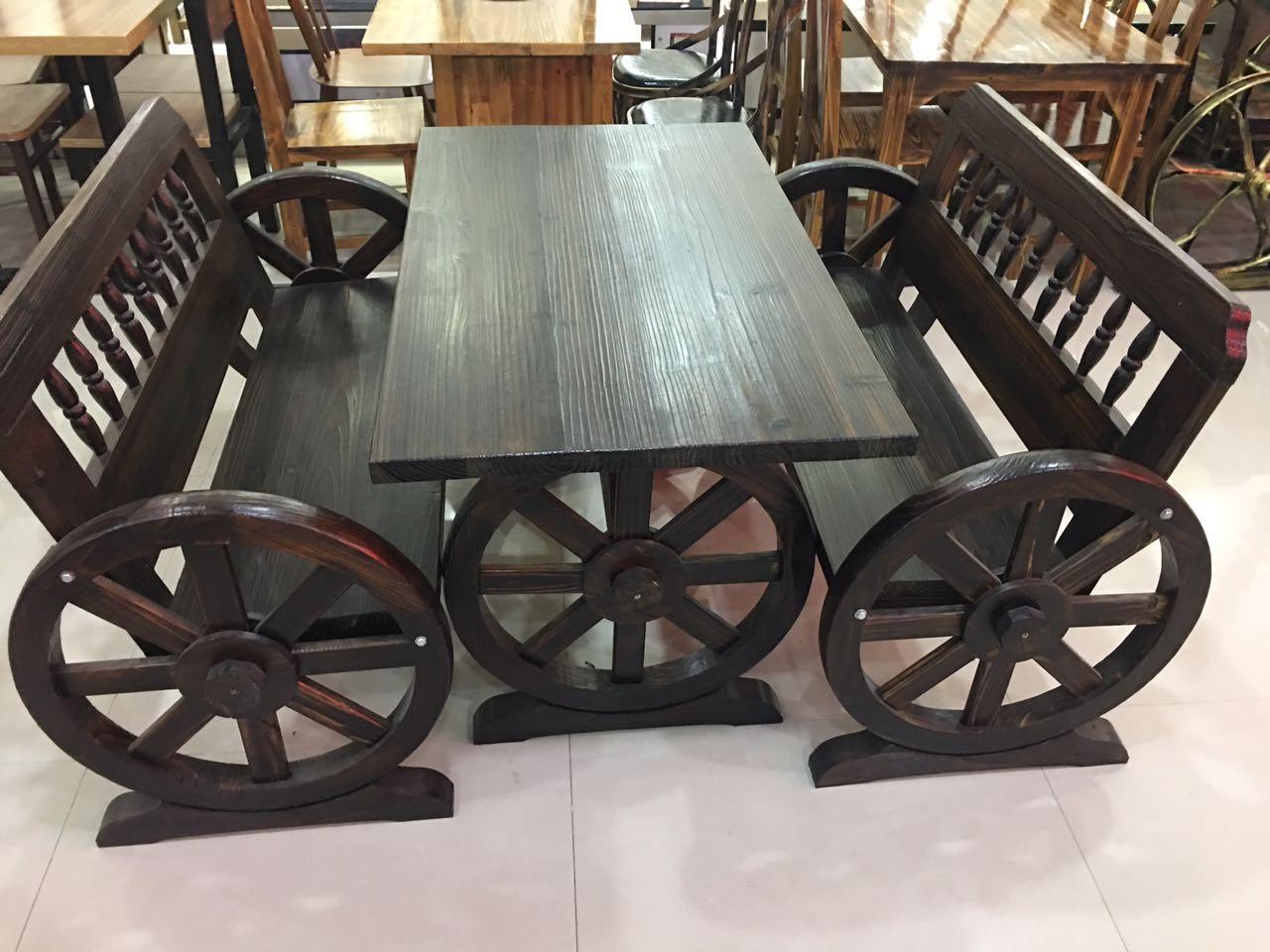 炭烧木车轮休闲椅
