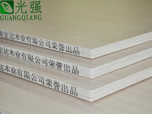 供应三聚氰胺多层实木家具板
