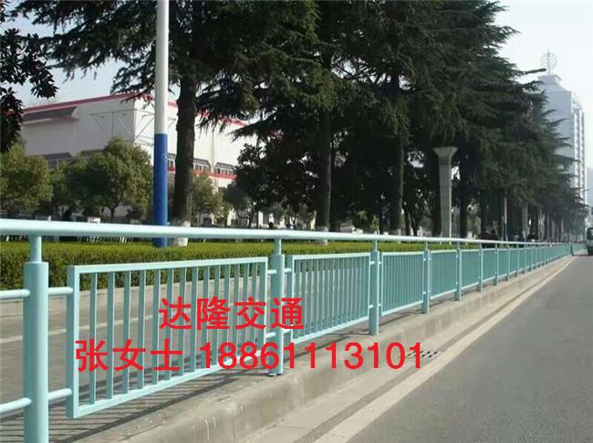 定制市政锌钢道路护栏公路防撞交通销售