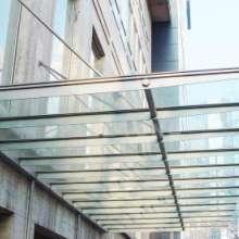 广东钢结构玻璃雨棚制作安装,广东玻璃雨棚专业施工,