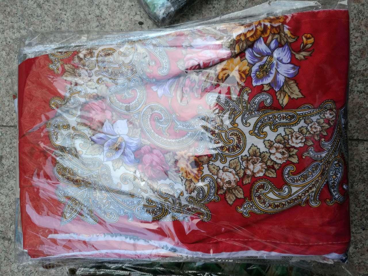 地摊丝巾 五元模式丝巾