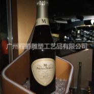 玻璃钢仿真红酒瓶雕塑图片