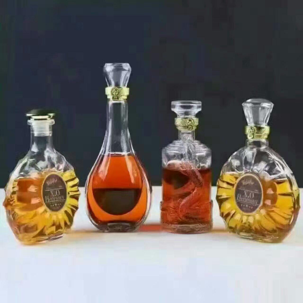 时尚玻璃酒瓶酒瓶 玻璃酒瓶玻璃酒瓶就瓶深加工