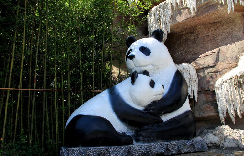 上海宏雕供应玻璃钢雕塑玻璃钢卡通动物雕塑