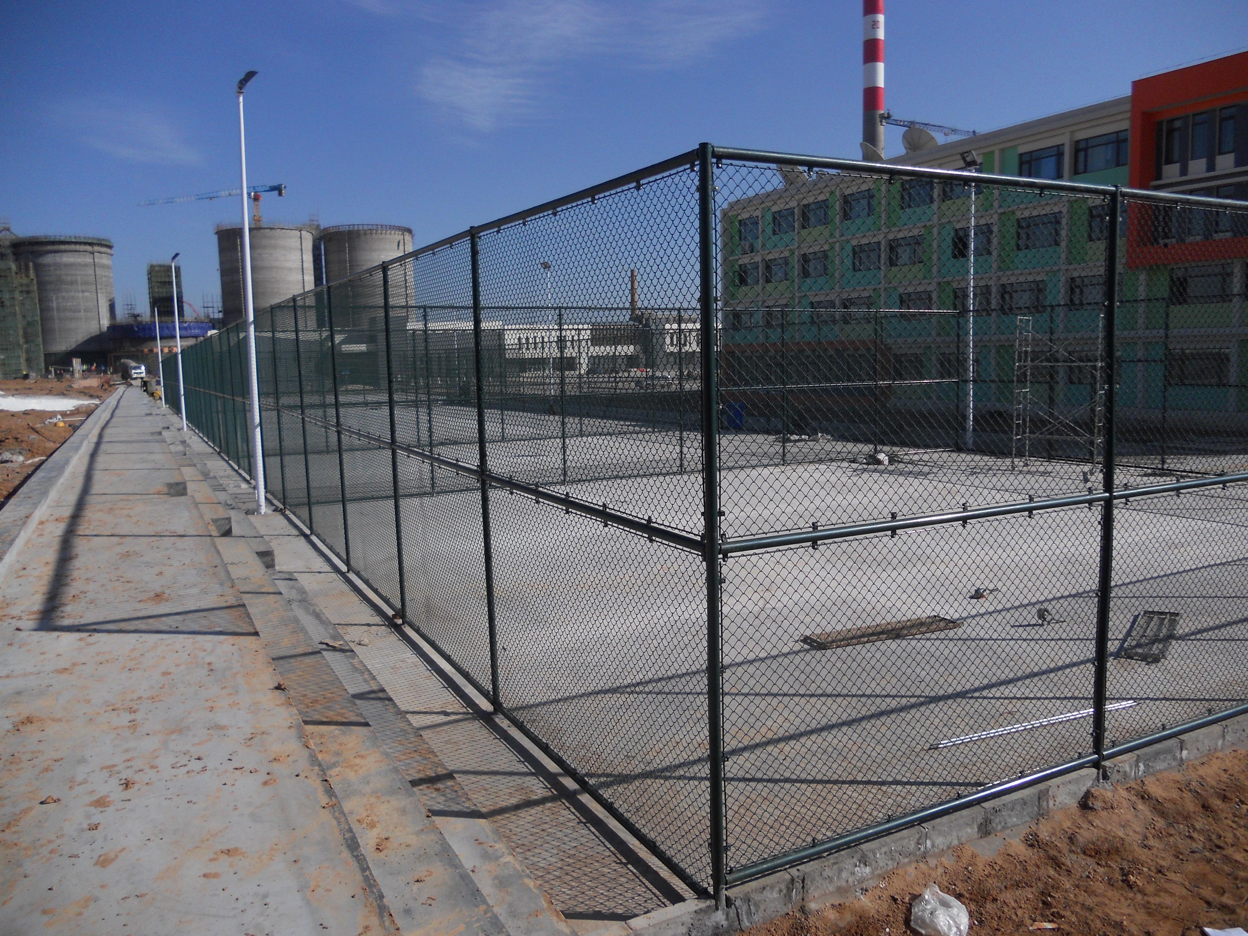 球场护栏网 框架护栏网批发 球场框架护栏网批发 框架护栏网供 、