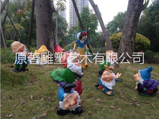 东莞原著雕塑厂家订做 卡通动漫白雪公主雕塑 城市园林室内游乐场摆件