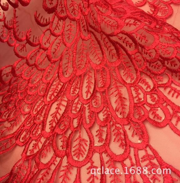 精美网布刺绣蕾丝面料水溶绣花女装花边婚纱面料