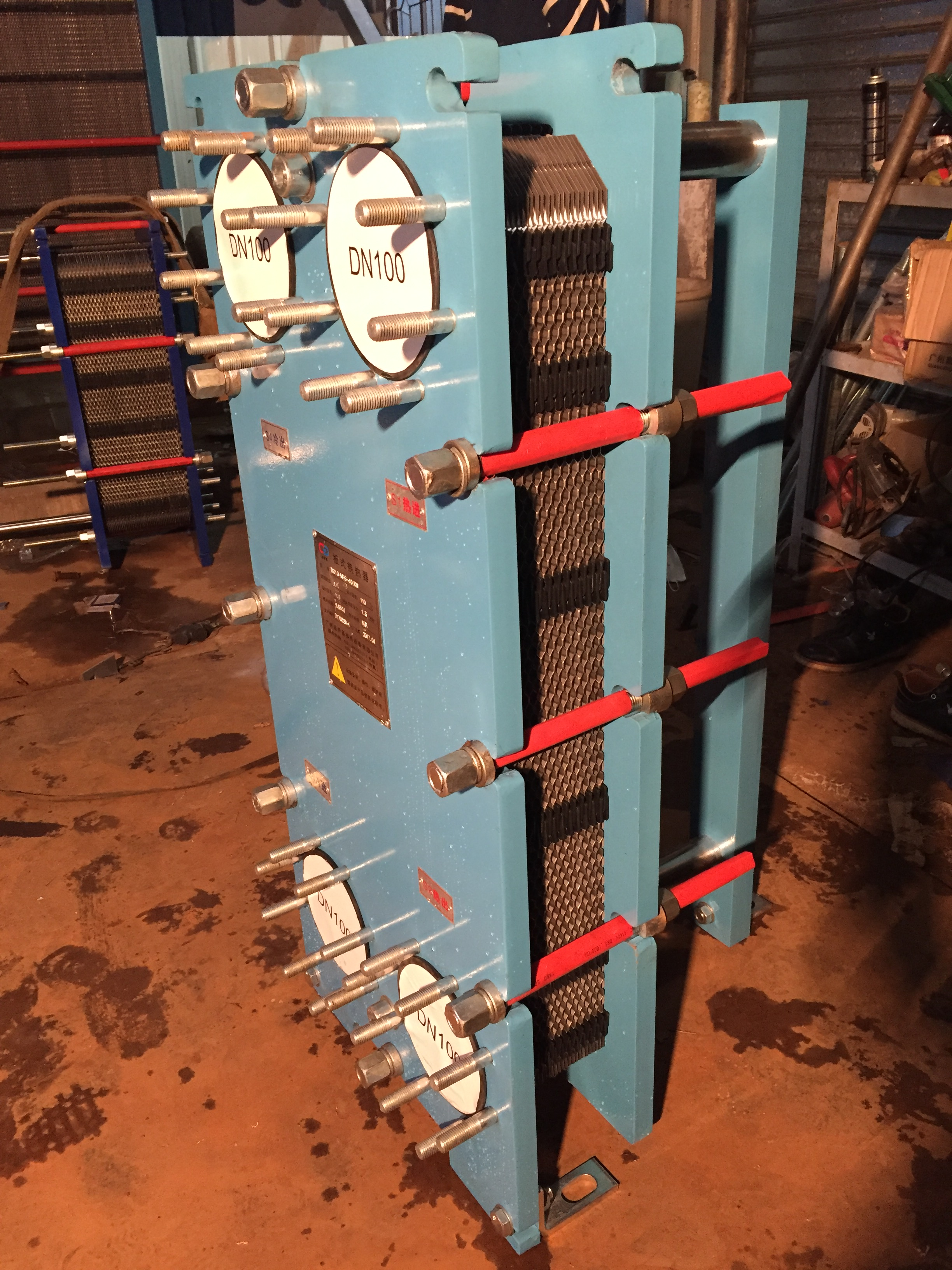 陶瓷压机油冷却器广州莱宁提供各类优质油冷却器