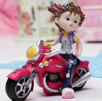 厂家销售家居摆件树脂工艺品装饰品 骑摩托车美少女孩