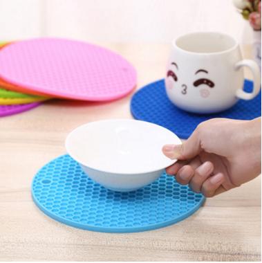 业生产蜂窝硅胶餐垫 圆形隔热盘垫 防烫耐高温加厚餐垫定做批发
