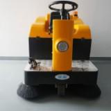 山东工厂用扫地机价格|依晨驾驶式扫地机YZ-JS1050直销
