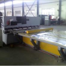 自动送料机质量保证 欢迎选购山东机械生产厂家 冲床数控送料机图片