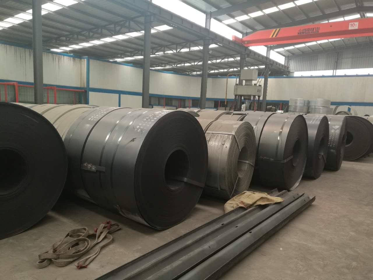 台湾护栏板厂家 厂家直销现货供应二波/三波热镀锌/喷塑护栏板价格优惠保证质量 合作一次终身朋友