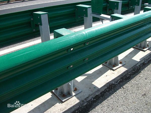 高速公路三波护栏板 热镀锌喷塑Q235材质 厂家直销 保质优惠