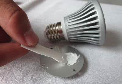 耐高温高效导热硅脂 导热系数2.0耐高温高效导热硅脂