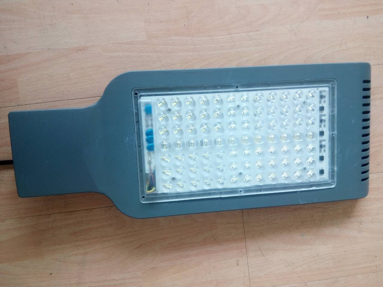 厂家直销大功率高性价比LED线性路灯模组/成品