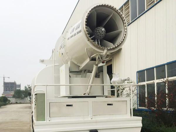 新式100米喷雾机  大型雾炮车