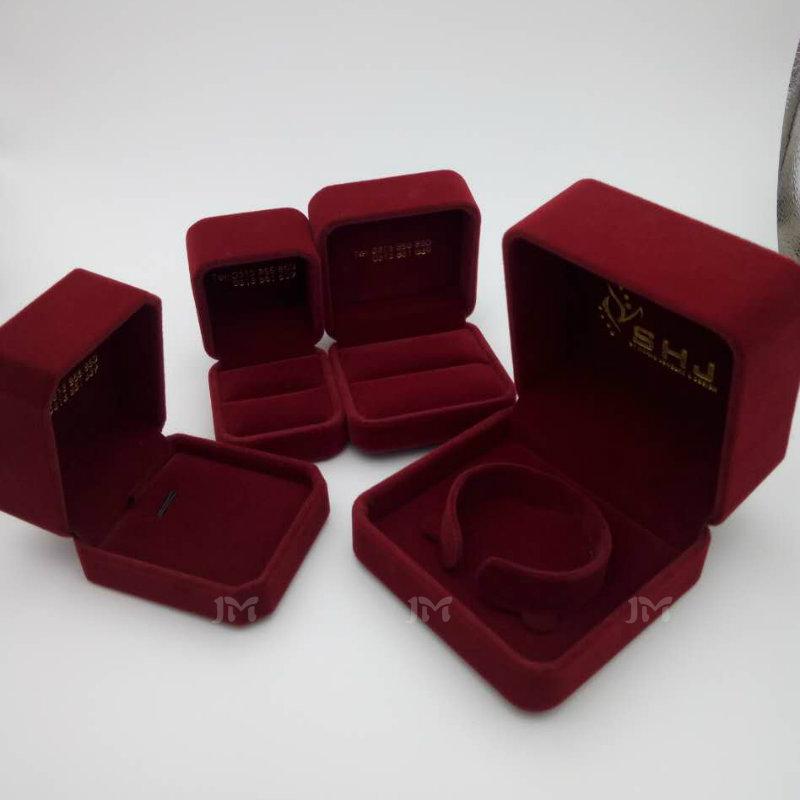胶盒包绒布首饰盒戒指盒吊坠手镯盒高档包绒礼品盒手链盒