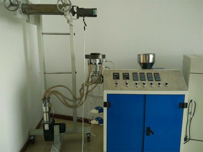 小型实验吹膜机