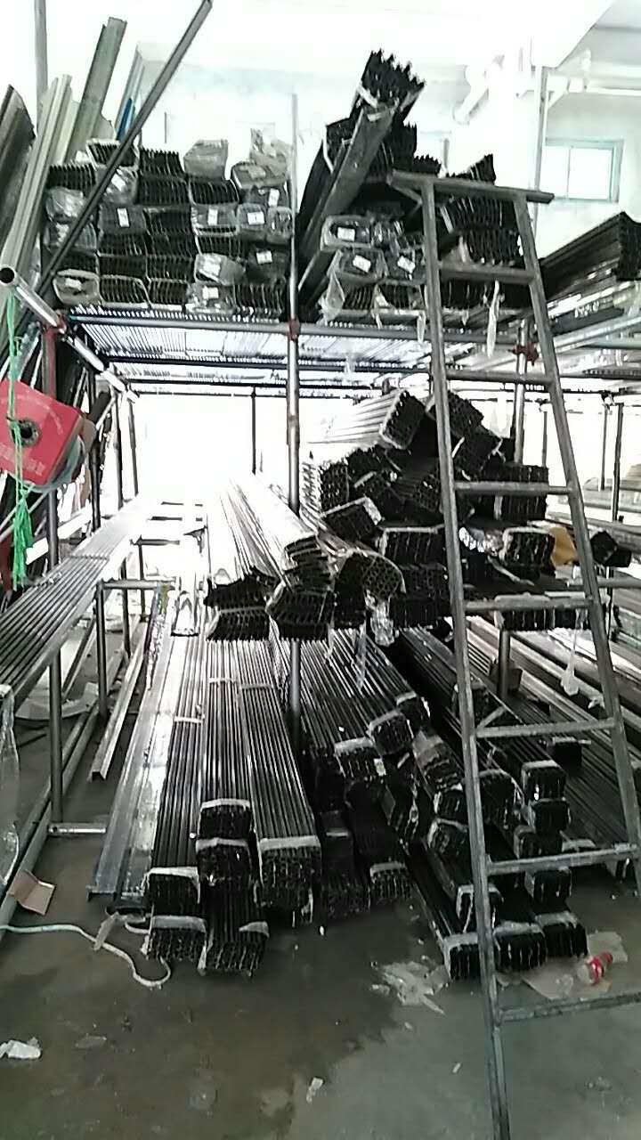 卷闸门铝材